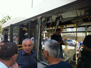 Ицхак Аронович на месте теракта, фото пресс-службы