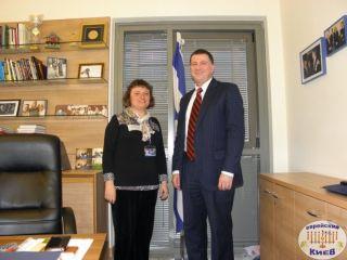 Элеонора Гройсман и Юлий Эдельштейн, в кабинете Эдельштейна, в Кнессете